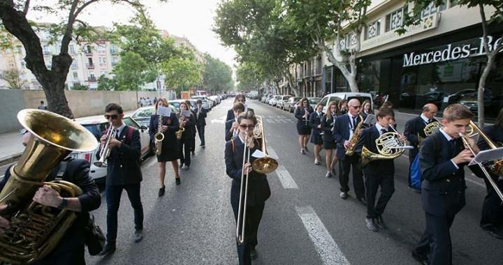 La banda de Miramar desfilant per València. Foto: FSMCV.